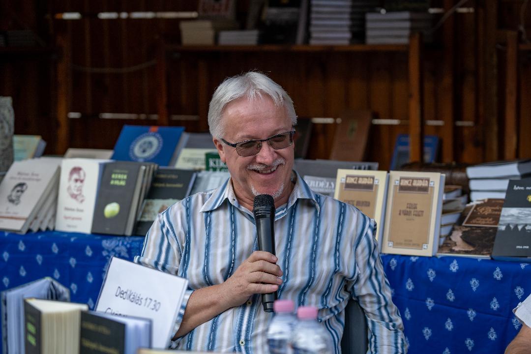 Csinta Samu a Debreceni Ünnepi Könyvhéten
